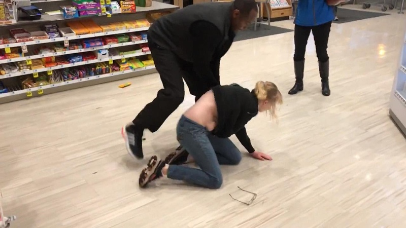 Employee Refuses To Let Alleged Shoplifter Go Until Cops Arrive