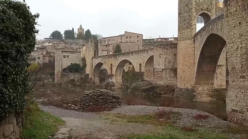 Besalú Girona Villa medieval